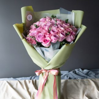 กุหลาบชมพูช่อใหญ่ คัดเกรดเฉพาะดอกไม้จากแหล่งเพาะปลูกชั้นดีเท่านั้น