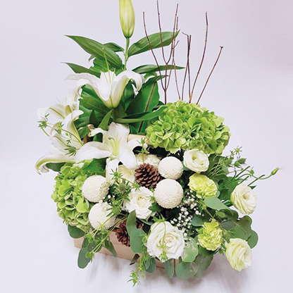 กระเช้าดอกไม้โทนสีเขียว