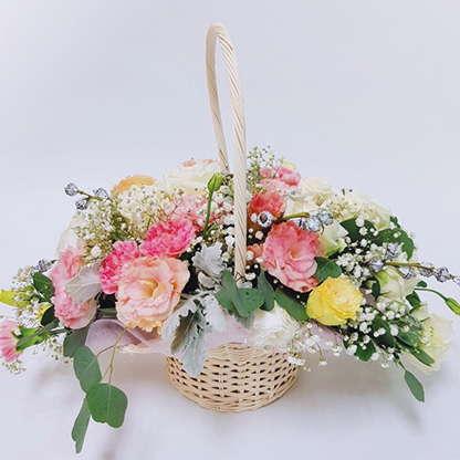 กระเช้าดอกไม้ Ivana