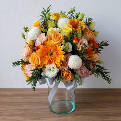 แจกันดอกไม้ แจกความสดใส