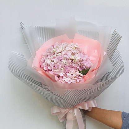 ช่อดอกไม้วาเลนไทน์ - ช่อดอกไฮเดรนเยียสีชมพูหวาน